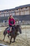 Девушка на лошади Стоковые Фото