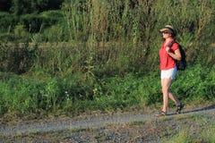 Девушка на пути Стоковая Фотография