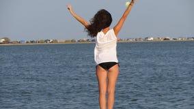 Девушка на пляже Стоковые Изображения RF