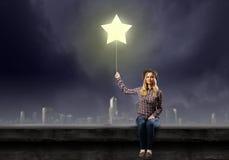 Девушка на стенде Стоковое фото RF