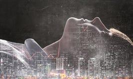 Девушка на темной предпосылке Мультимедиа Стоковое Фото