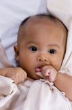 девушка одеяла младенца Стоковое Изображение RF