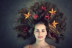 Девушка осени стоковые фотографии rf