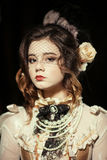 Девушка одетая в стиле рококо Стоковое Фото