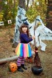 Девушка одетая на хеллоуин Стоковое Изображение RF