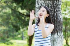 Девушка парка красивая Стоковое Изображение RF