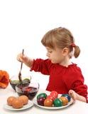 девушка пасхального яйца меньшяя картина Стоковое Изображение RF