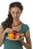 девушка плодоовощ вручает ваше Стоковое Изображение RF