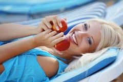 девушка пляжа красивейшая Стоковое фото RF