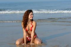 девушка пляжа красивейшая Стоковые Изображения