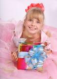 девушка подарка коробки Стоковое Изображение
