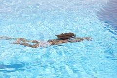 девушка подводная Стоковое Изображение RF