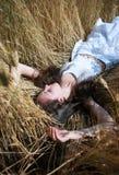 девушка поля Стоковые Изображения RF