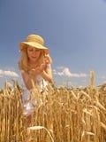 девушка поля Стоковые Фото