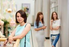 Девушка портрета в торговом центре Стоковые Фотографии RF