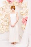 Девушка портрета в ярких цветах стоковые изображения rf