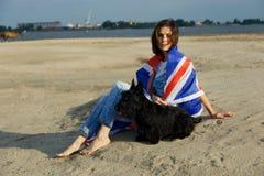 Девушка портрета на пляже Стоковые Изображения