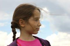 Девушка против неба Стоковая Фотография RF