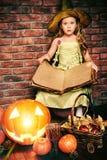 Девушка ребенка хеллоуина Стоковая Фотография RF