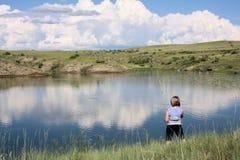 девушка рыболовства Стоковое фото RF