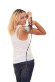 девушка сверла над взметнутым плечом Стоковая Фотография
