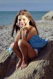девушка светлая меньший заход солнца Стоковое Фото
