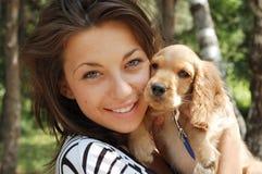 девушка собаки Стоковые Изображения