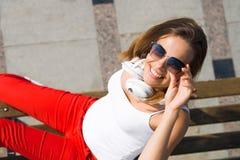 Девушка студента в вскользь outdoors Стоковые Изображения