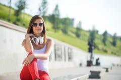 Девушка студента outdoors стоковое изображение
