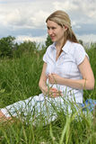 девушка супоросая стоковое изображение rf