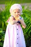 девушка счастливая немногая Стоковые Фотографии RF