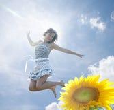девушка счастливая стоковое изображение rf