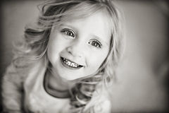 девушка счастливая Стоковые Фотографии RF