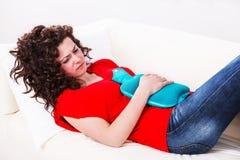 Девушка с болью в животе Стоковое Изображение RF