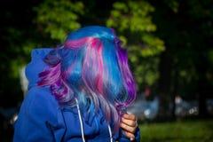 Девушка с весьма волосами Стоковая Фотография RF