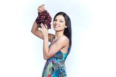 Девушка с виноградиной Стоковое Фото