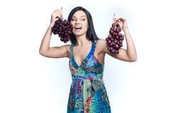 Девушка с виноградиной Стоковые Фото