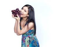 Девушка с виноградиной Стоковая Фотография RF