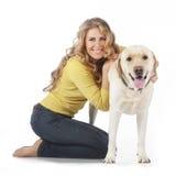 Девушка с ее собакой Стоковое Изображение