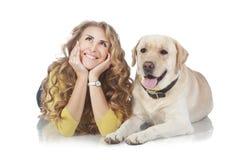 Девушка с ее собакой Стоковые Изображения RF