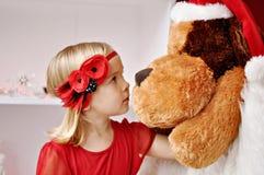 Девушка с держателем цветка Стоковое Изображение RF