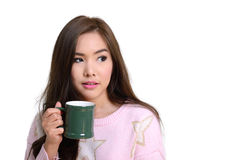 Девушка с зеленой кружкой кофе Стоковое Изображение RF