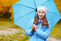 Девушка с зонтиком Стоковые Фото