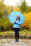 Девушка с зонтиком Стоковые Фотографии RF