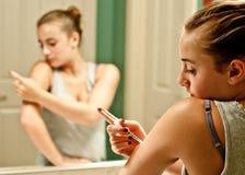Девушка с диабетом типа 1 Стоковое Изображение RF