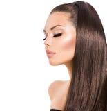 Девушка с длинными здоровыми волосами Брайна Стоковое Фото