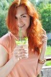 Девушка с коктеилем Стоковое Изображение RF
