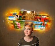 Девушка с красочной накаляя концепцией памятей фото Стоковая Фотография