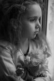 Девушка с куклой Стоковые Фото