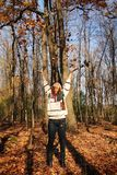 Девушка с листьями Стоковое Изображение